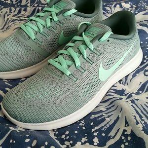 0397119e3504 Nike Shoes - Women s Nike Free RN in Green